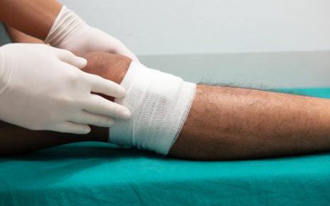 Metaanaliza: opatrunki i środki miejscowe w leczeniu żylnych owrzodzeń podudzi
