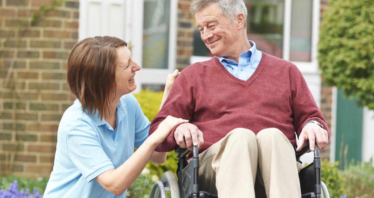 Specjalna poduszka na wózek inwalidzki, która redukuje ryzyko odleżyn