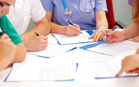 Kurs specjalistyczny z zakresu leczenia ran dla pielęgniarek – sprawdź, gdzie możesz go odbyć