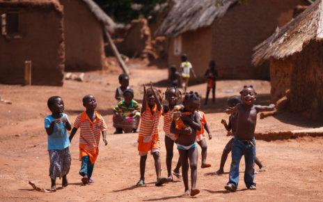 Opatrunki i leki od Fundacji Redemptoris Missio trafią do RŚA i Kamerunu