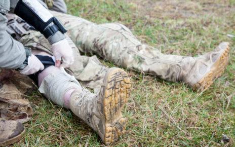 Warszawa: żołnierze wysyłani na misje szkolą się z zakresu medycyny pola walki