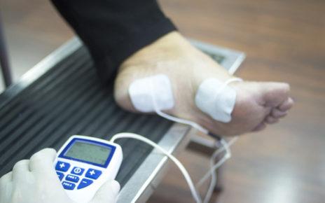 Opatrunki monitorujące ranę i wysyłające impulsy elektryczne zrewolucjonizują gojenie