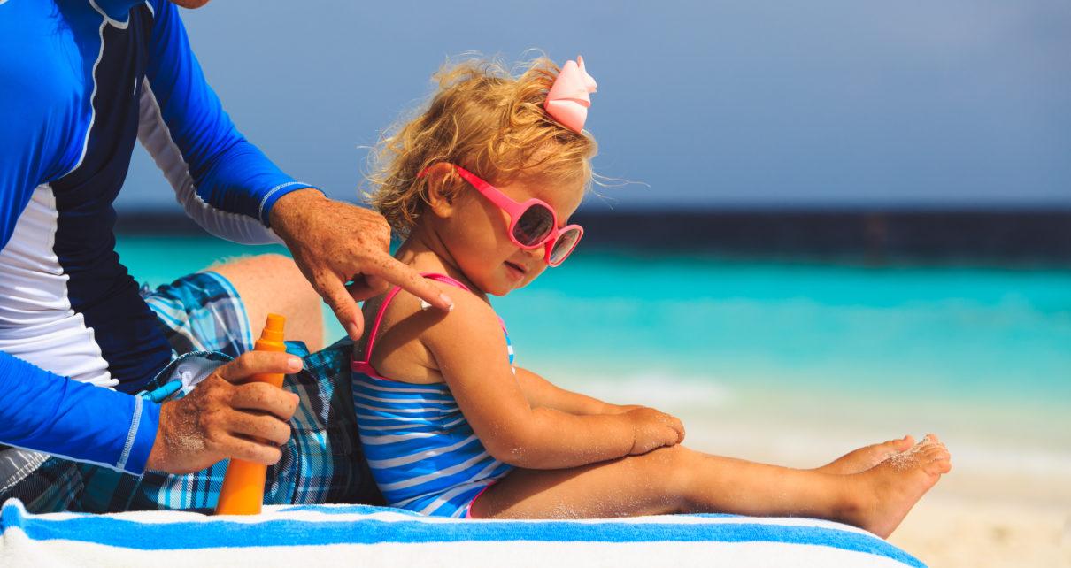 Ekspertka: krem z filtrem nie zabezpiecza skóry przed promieniowaniem UV