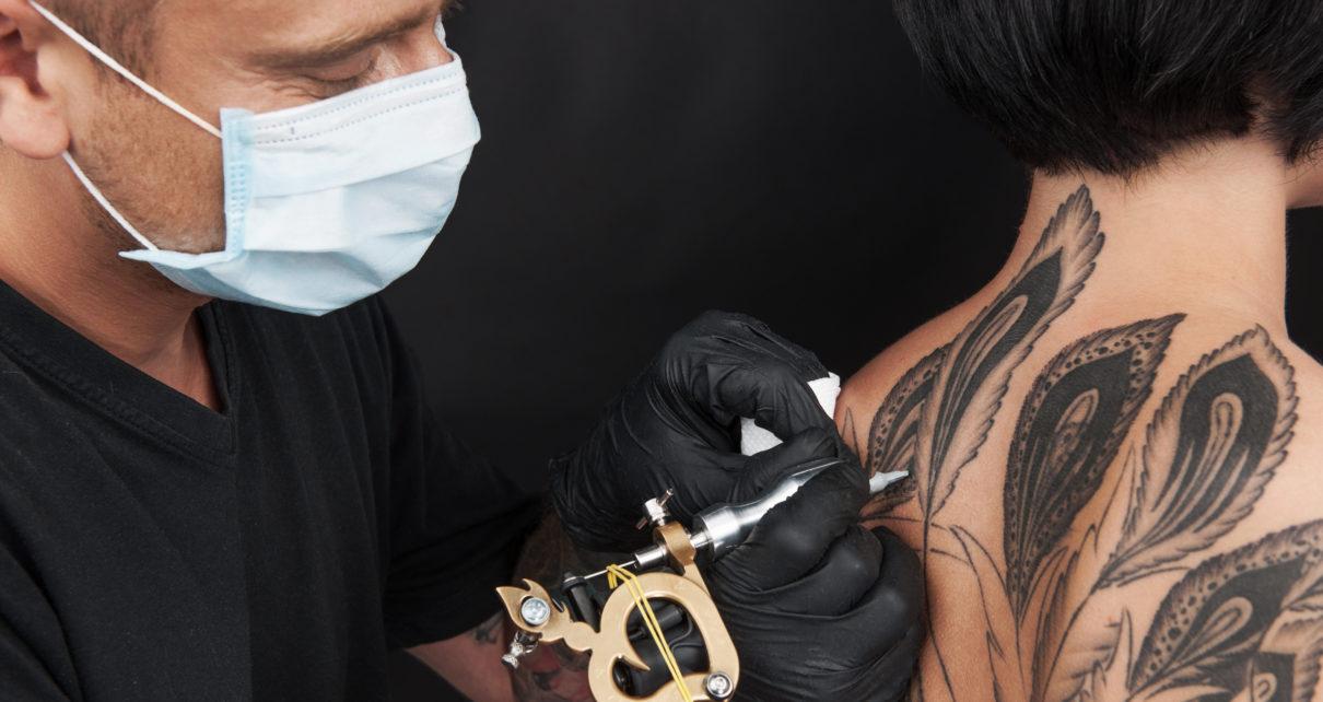 Tatuaże zwiększają ryzyko wchłaniania metali ciężkich do węzłów chłonnych