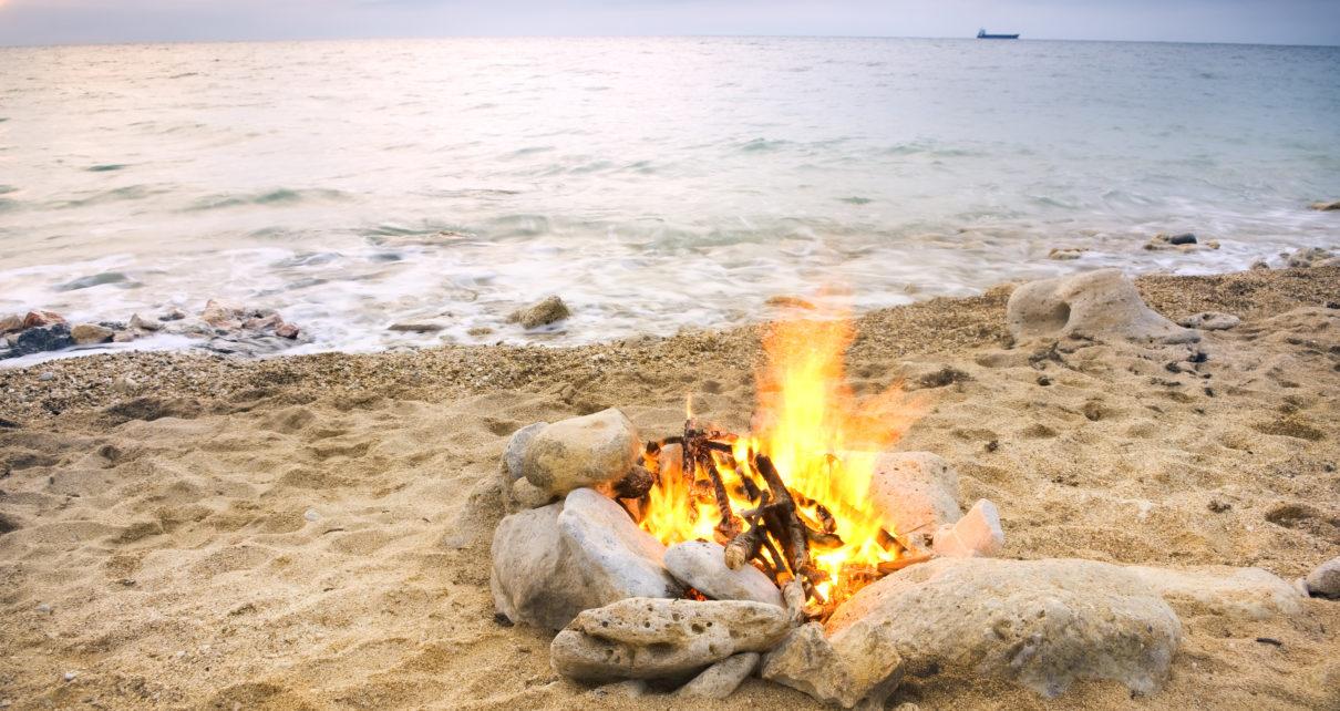 Anglia: Zrobili grilla na plaży – chłopiec ma ciężkie poparzenia na nogach