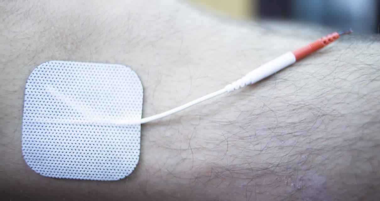 Elektryczny bandaż sam wytwarza impulsy, aby leczyć rany