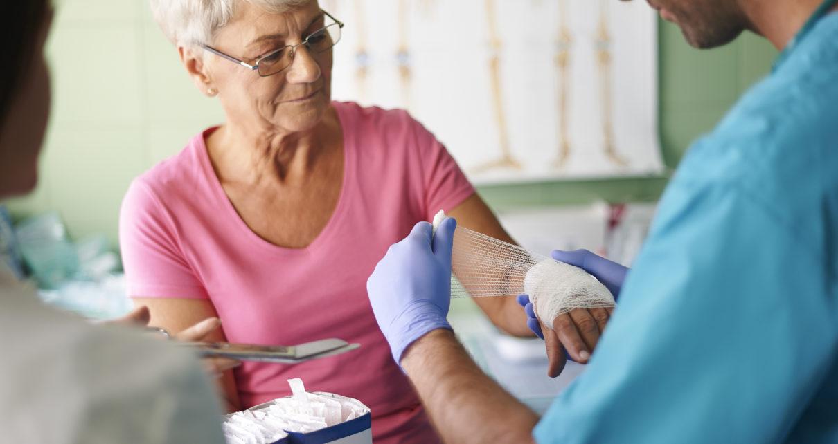 W jaki sposób gojąca się tkanka chroni się przed toksycznymi związkami?