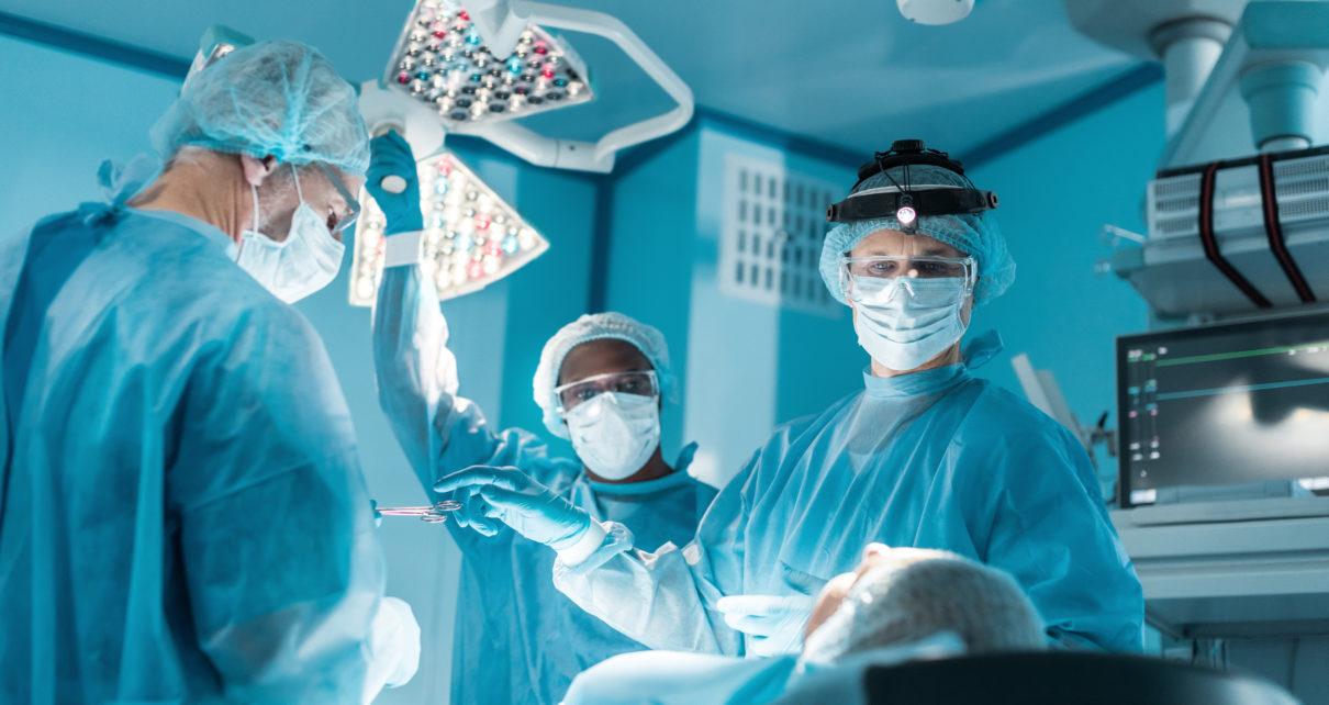 Sukces chirurgów. Przyszyty penis zachował pełną sprawność