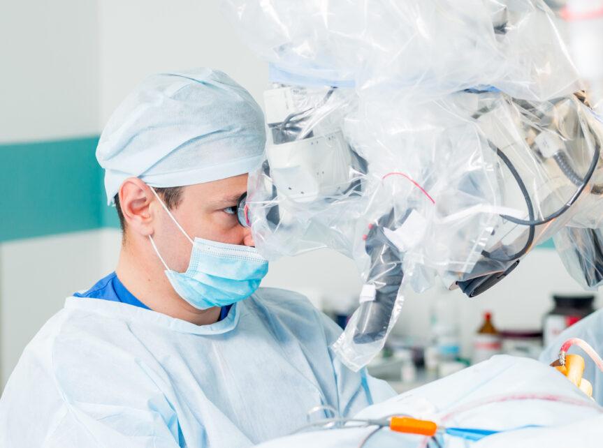 Lekarze z NIO w Gliwicach uratowali oskalpowaną pacjentkę