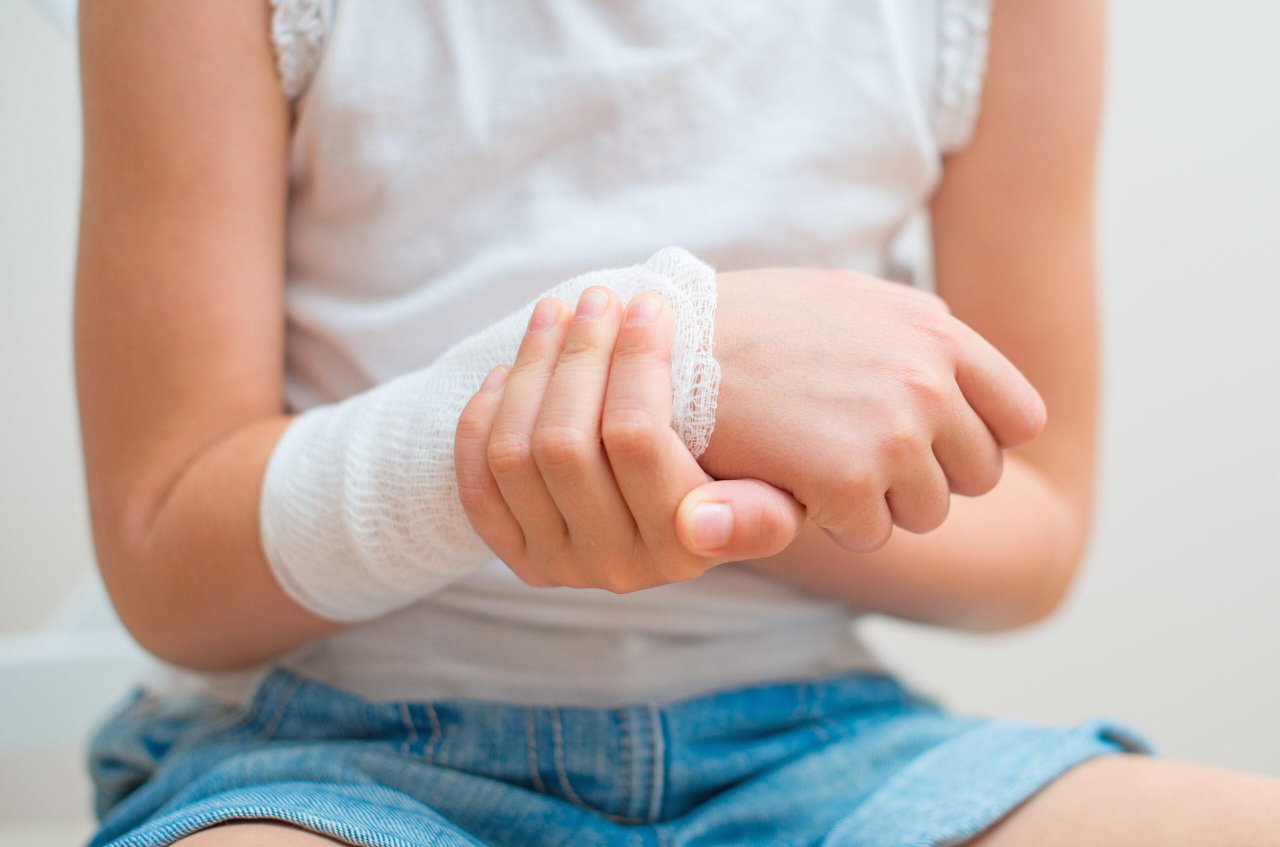 Jakimi zasadami powinniśmy kierować się w doborze opatrunku do rany?